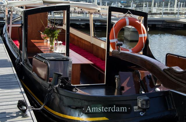 Stella barge