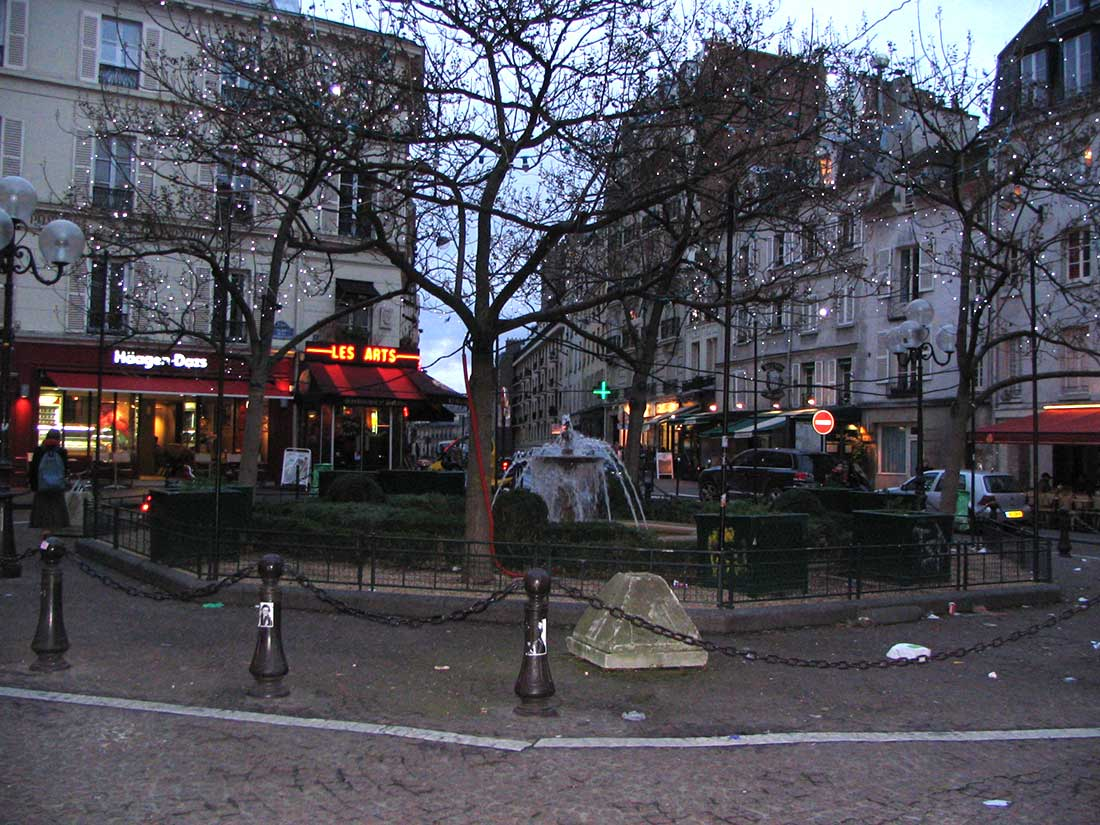 Place de la Contrescarpe Paris