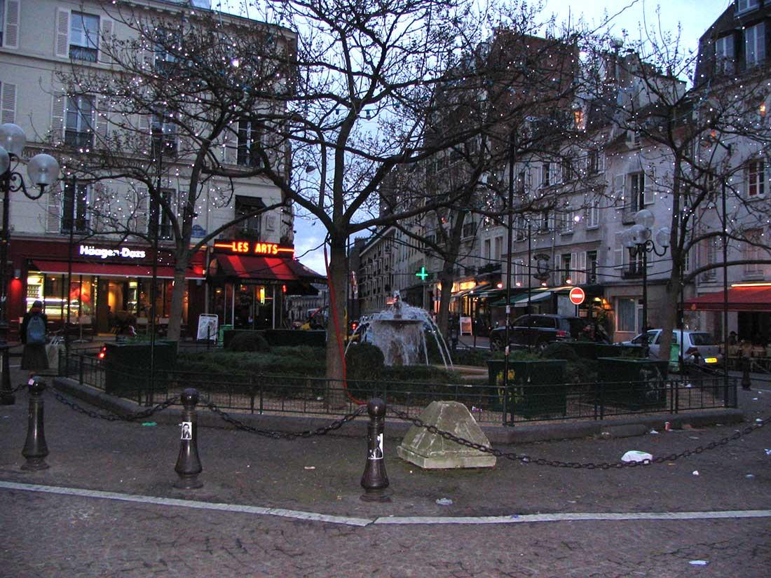 Place de la Contrescarpe Paris