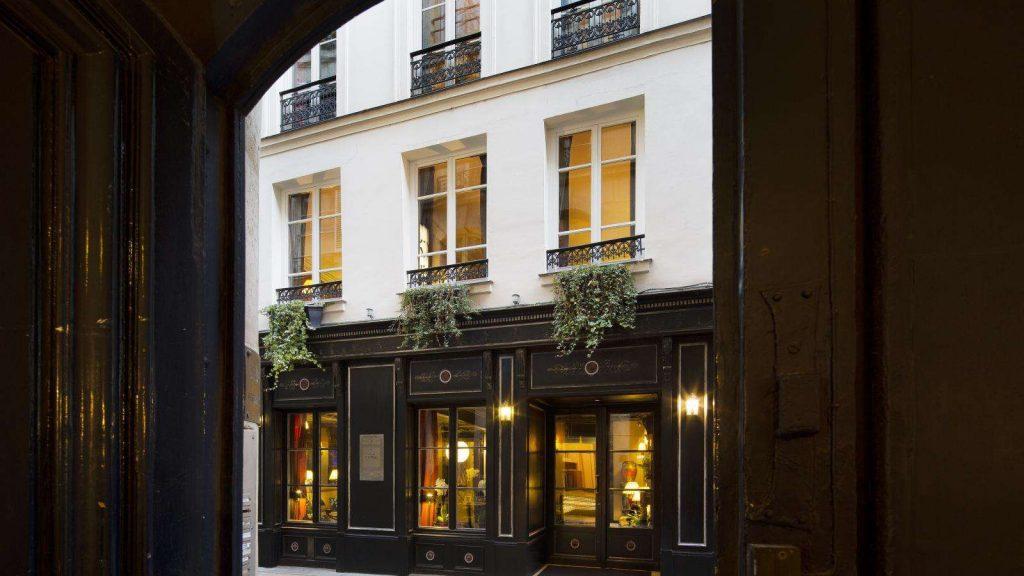 Elegant hotel in Paris